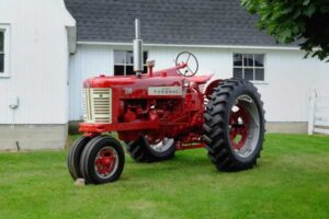 Tractor Antique